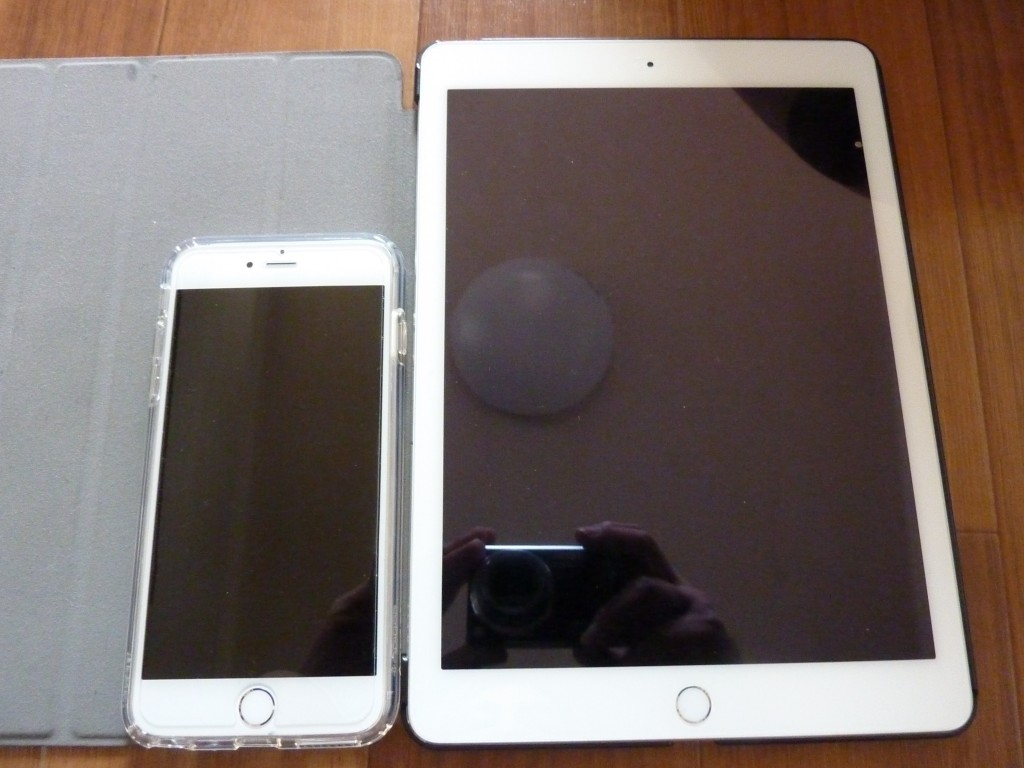 iPhone 6s PlusとiPad Air 2の比較画像