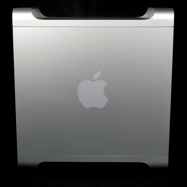 Mac Pro (Early 2009) 2.26 GHz 8 Core MB535J/A サイド