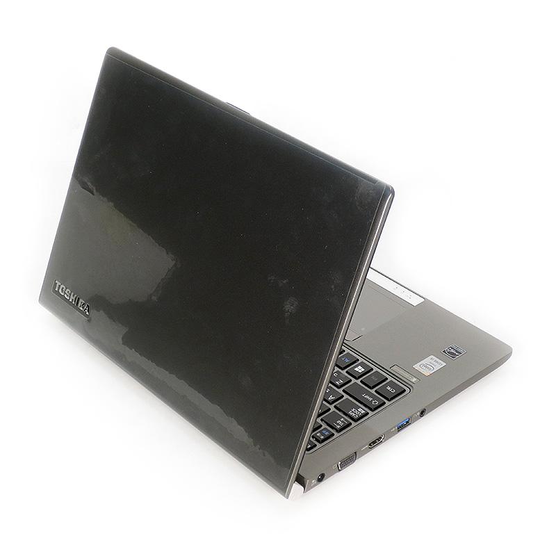 極上中古ノートパソコン 東芝 dynabook R634/M PR634MAW537AD71 背面