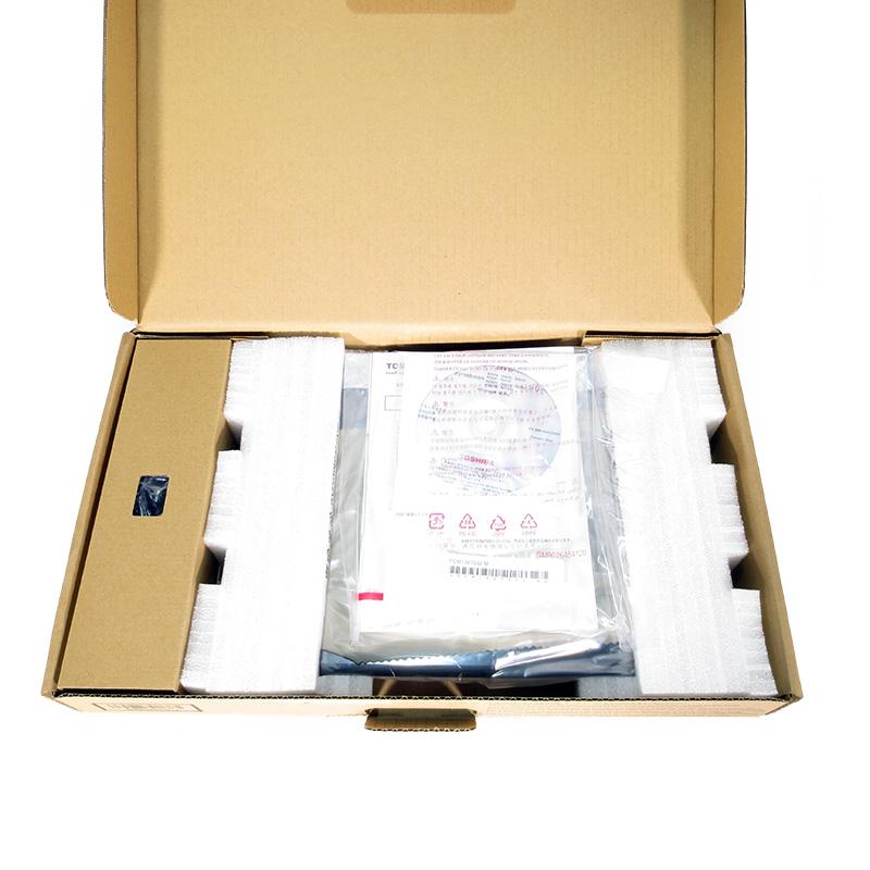 未使用ノートパソコン 東芝 dynabook R73/T PR73TFAA147ADE1 箱の中